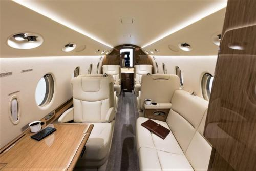 Private-Jet-for-Rent-by-The-Luxe-Guide-2